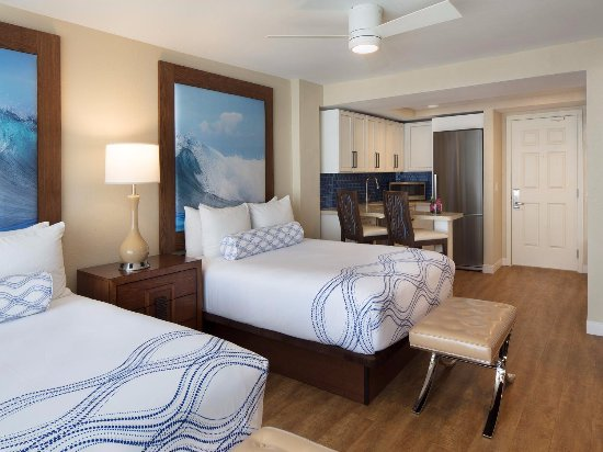 Lido Beach Resort: Gulf Front Double Queen Guest Room
