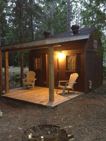 Roxys Gas & Variety Cabins & Tent Sites
