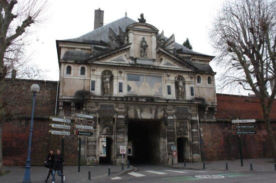 D tail de la voute de la porte de la citadelle picture for Things to do in la porte