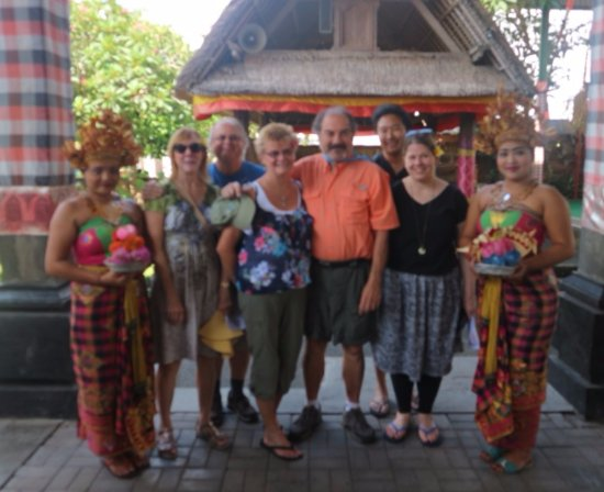 Bali Agung Tours - Day Tours: enjoying Bali ocal culture and tradition