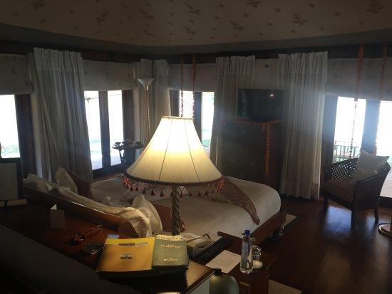 The Oberoi Rajvilas: luxury tent