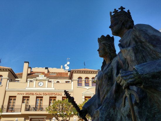 Monument to the Catholic Monarchs