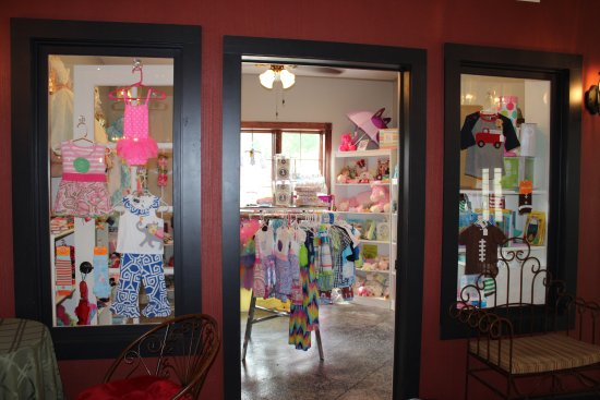 Guttenberg, IA: Sweet P's- Children's boutique. One of 6 shops located inside the winery.