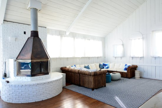 Blue - Inn on the Beach: living room and fireplace