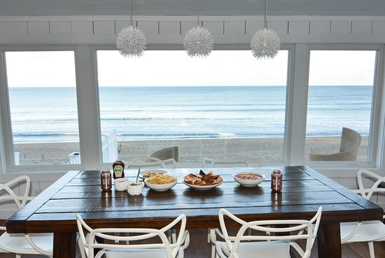 Blue - Inn on the Beach: dining area