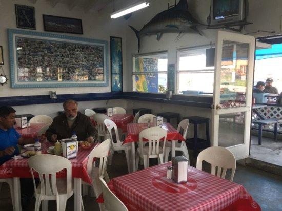 Tacos Baja Jr.: Inside tables (clean too)