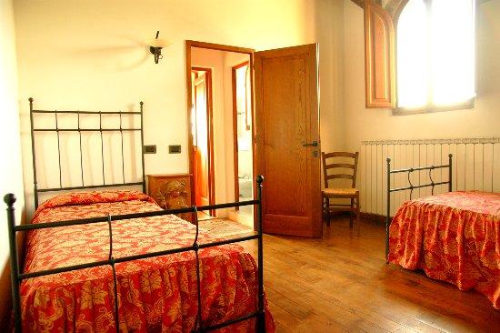 Capraia e Limite, Italia: camera appartamento trilocale