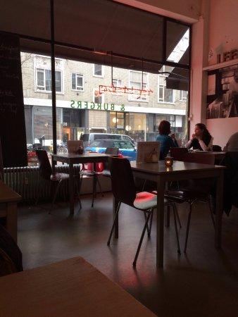 Inside the Bagel Bakery & Burgers