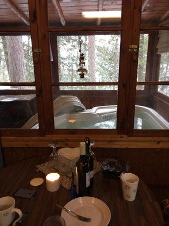 Harold's Resort at Spider Lake : hot tub