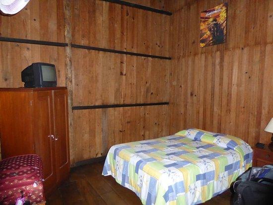 Hotel El Recreo Lanquin Champey: Basic rustic room