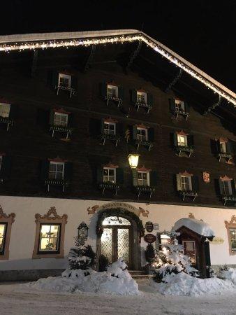 Romantik Hotel Zell am See: front entrance