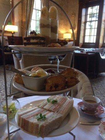 Crathorne, UK: Delightful afternoon tea