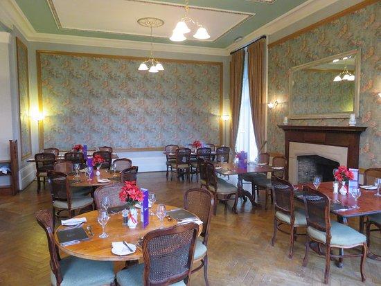 Hotels Near Cornhill Castle