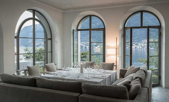 Pognana Lario, Italia: Villa Làrio - italian Restaurant / inside