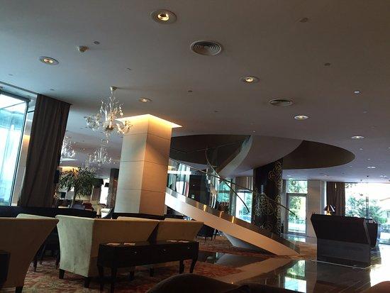 Grand Hotel River Park Bratislava: Reception/Lounge and bar Area