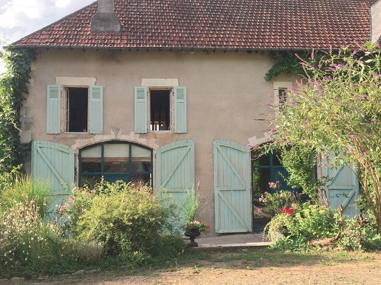 Raveau, فرنسا: façade salle de réception