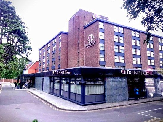 DoubleTree by Hilton London Ealing: Veduta esterna