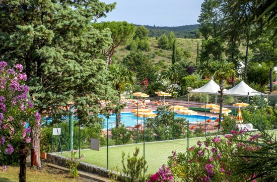 Pool Und Tennisplatz Picture Of Il Pelagone Hotel Golf Resort Toscana Gavorrano Tripadvisor