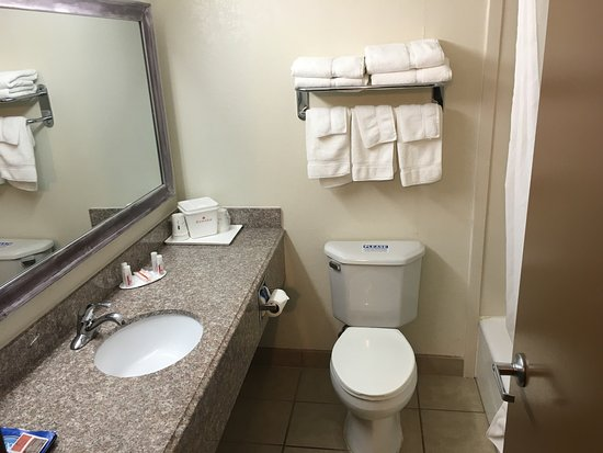 Ramada Tulsa: photo0.jpg