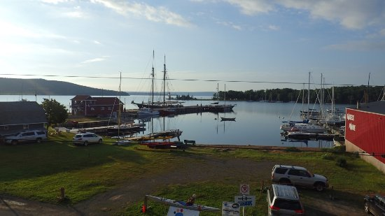 Baddeck, Canadá: The view from the Balcony of my room. Very quiet and peaceful setting.