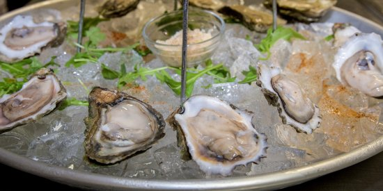 Bunky's Raw Bar & Seafood Grille: Seafood Tower