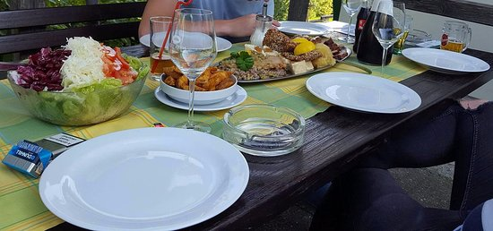 Medvode, Slovenia: Dinner, which was completely offered and chosen by Klemen, the owner.