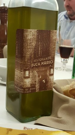 Buca Mario: Olive oil with restaurant own lable