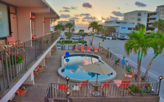 Sea Cliff Resort: Good morning sunrise!