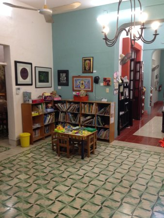 Merida English Library: More of the children's section
