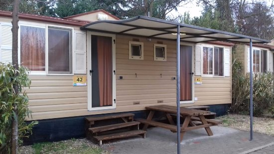 Camping Village Roma: Bungalows from the outside.