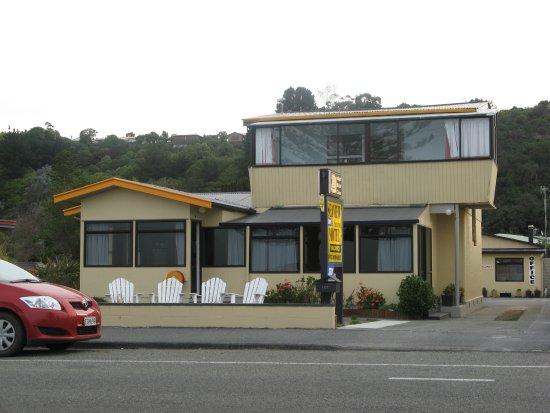 The Seaview Motel