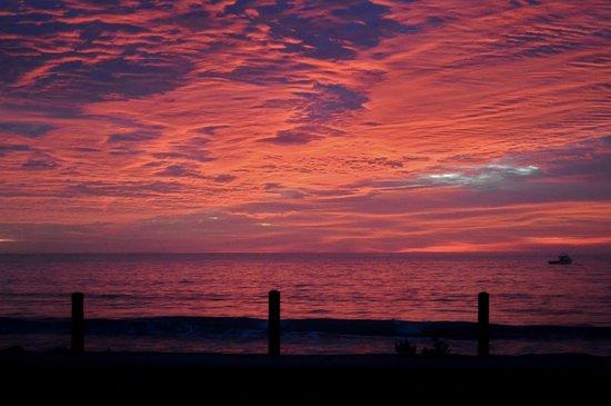 Sunrise at Beachport Caravan Park