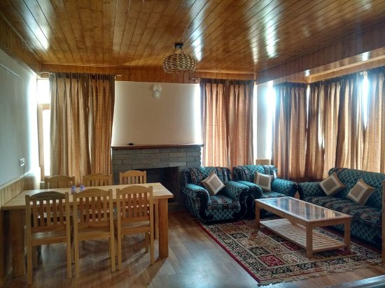 The Explorers Inn Manali