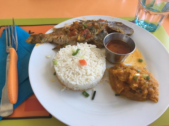 Anse-Bertrand, Guadeloupe: Poisson perroquet grillé