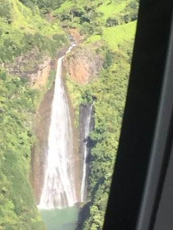 Sunshine Helicopters Princeville: Views of the canyons and waterfalls via Sunshine Helicopter