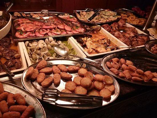 Surprising Hot Food Table 3 Picture Of Restaurante El Puma Interior Design Ideas Gresisoteloinfo