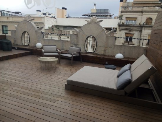 Petit Palace Museum Hotel: Terraza de la hab. Junior Suite con jacuzzi (404)