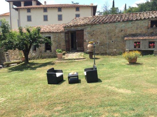 Agriturismo La Terrazza sul Macchietto Hotel (Morra): Prezzi 2018 ...