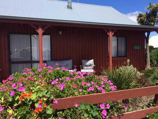 Stanley, Australia: Front yard area