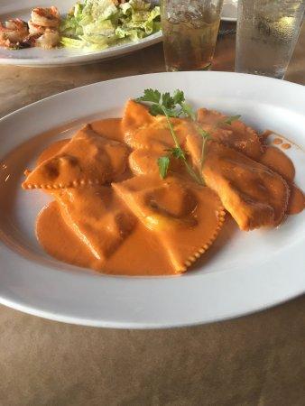Linguini con vongole (Linguini and clams) - Picture of La Terrazza ...