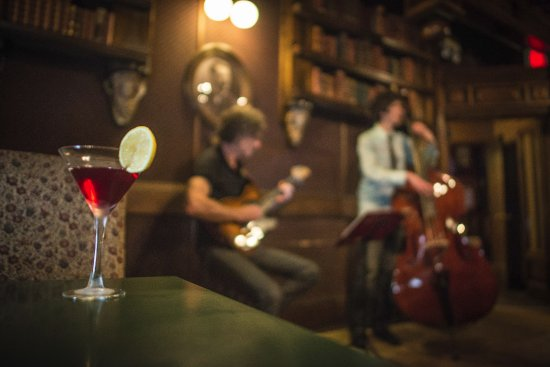 The Library Lounge : Martini & Jazz