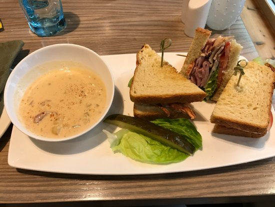 Moclips, WA: Club sandwich with clam chowder