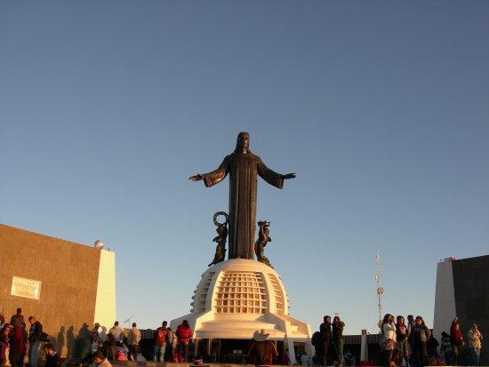 Santuario de Cristo Rey: Plaza central en el cerro del cubilete (para acampar)