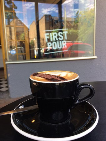 Adelaide Hills, Australia: The right size cup for a cappuccino