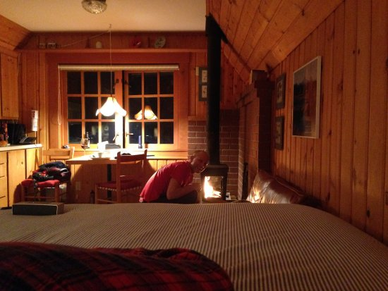 "Camp Sherman, OR: ""our"" cozy powerhouse cabin"