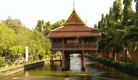 Kamphaeng Phet, Thailand: Hölzerne Gebethalle