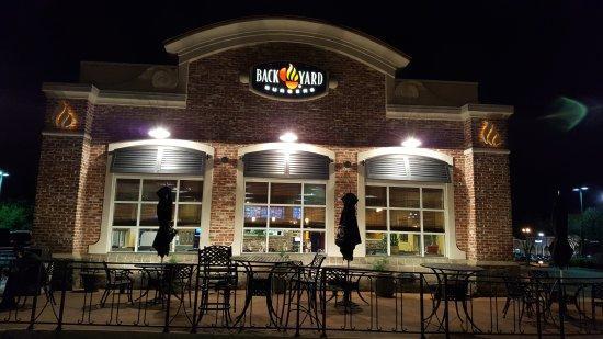 Madison, Миссисипи: Back Yard Burgers