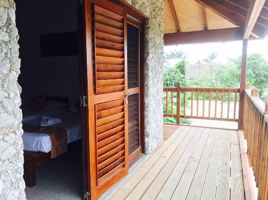 Tanna Evergreen Resort & Tours: native timber louver door.... get the