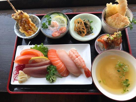 Pitt Meadows, Canada: sashimi teishoku