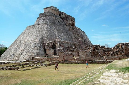 Uxmal and Kabah Early Access Tour...
